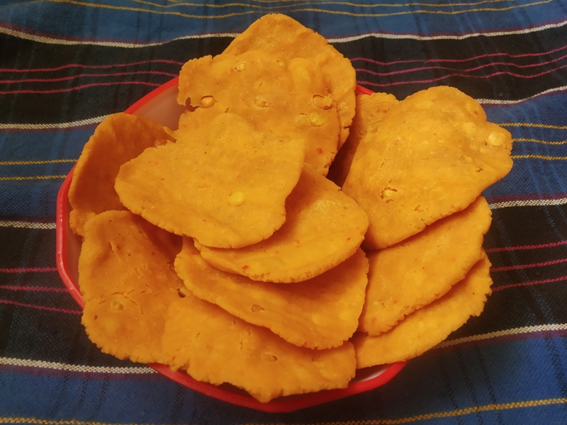 Thattai Vadai recipe – how to make thattai Murukku – Thattu vadai, Nippetu
