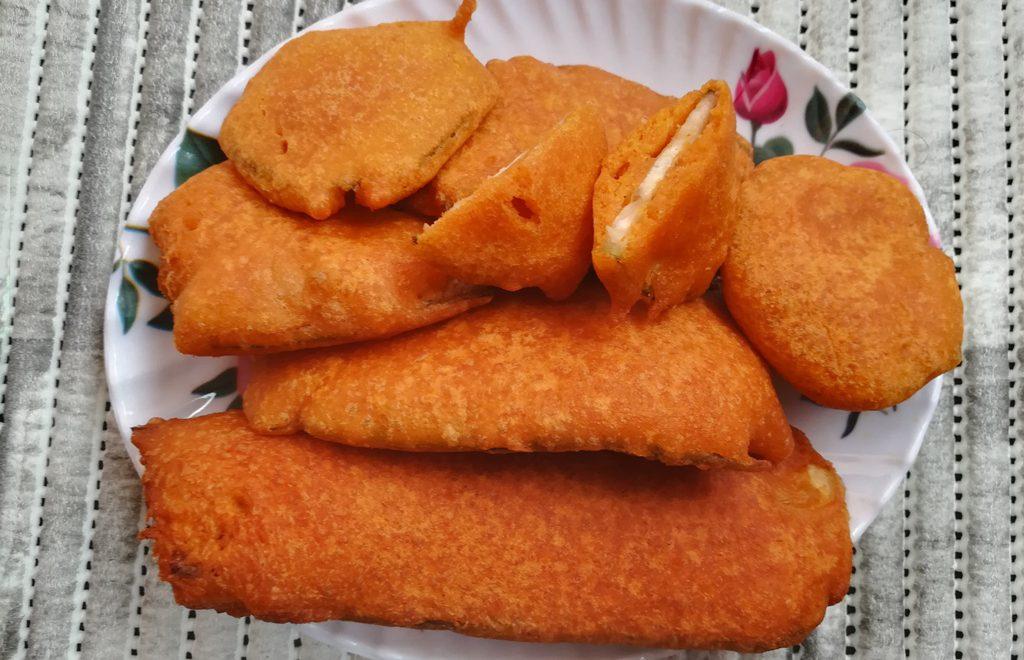 Vazhakkai Bajji Recipe, how to make bajji, Plantain Fritters, raw banana bajji
