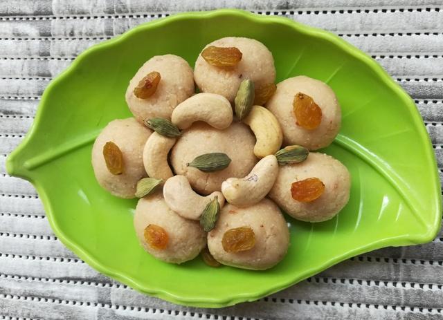 Famous Indian Recipes - rava laddu recipe